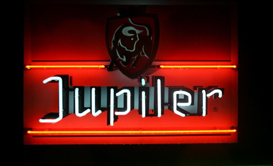 Jupiler NEON